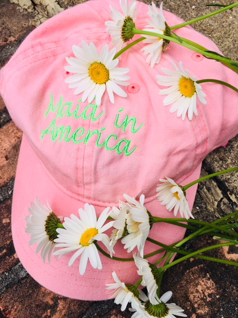 Maid in America Pink hat and Daisies